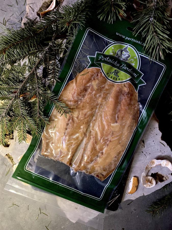 Hot smoked mackerel flap with garlic