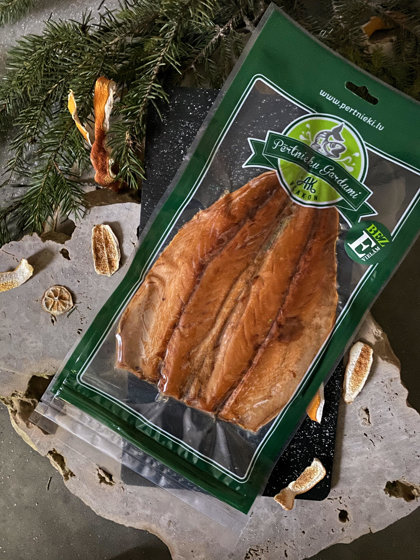Auksti kūpināta makreles plētne